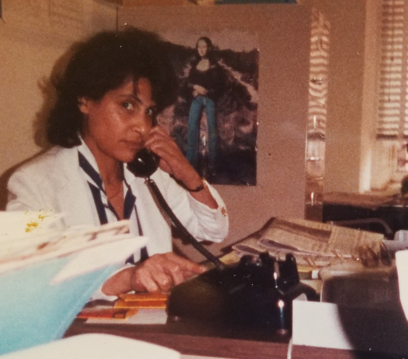 mother david raine soul philadelphia social worker dreamer hero mona lisa jeans office white shirt scarf files papers phone